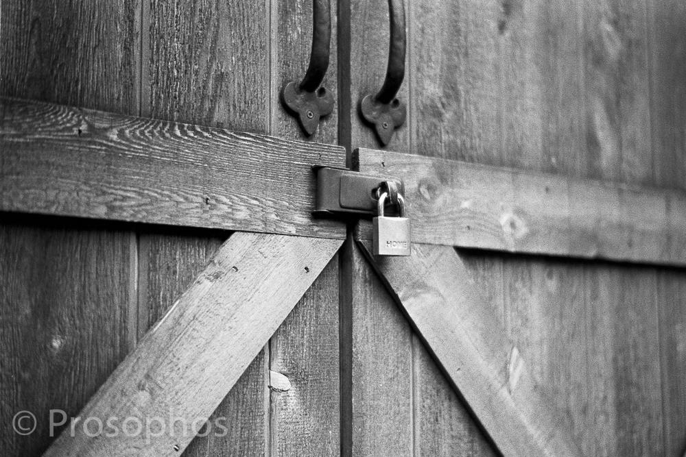 """Momentos of a Gloomy Day at Home, 3"" - Prosophos - Leica M3 - Voigtlander 50mm Nokton 1.5 II - Kodak Tri-X 400"